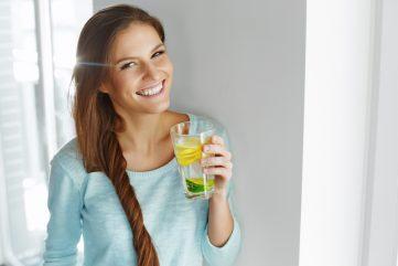 water drinken is goed voor je huid