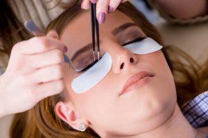 permanente make-up. Wat zijn de voor en nadelen