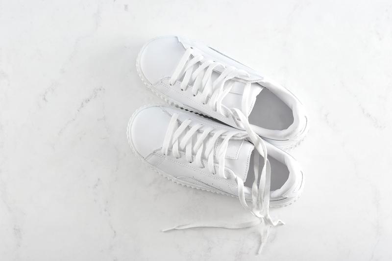 Witte sneakers schoonmaken: 5 handige tips