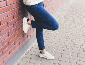 Witte-schoenen-schoonmaken